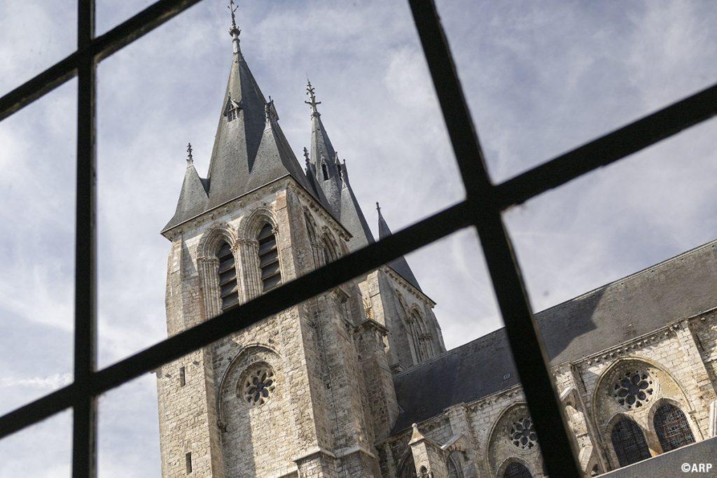 Eglise Saint-Nicolas vue depuis l'Hotel Dieu